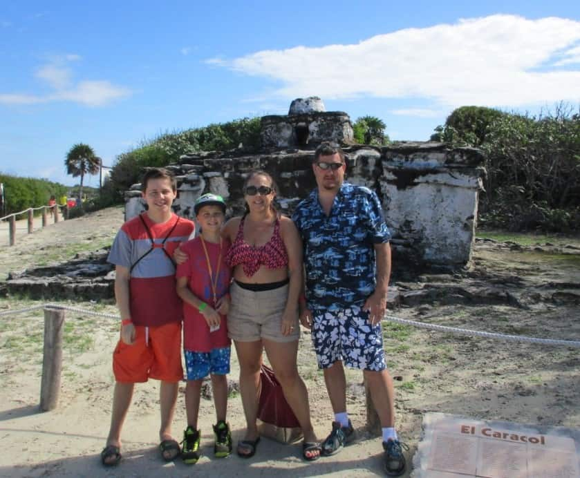 tammy and her family in cozumel